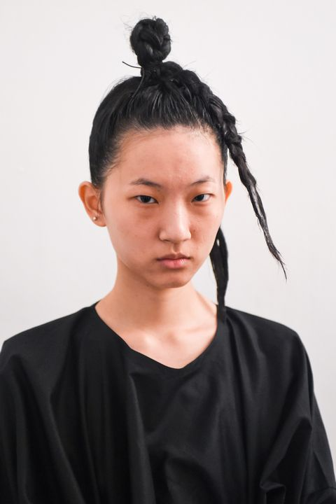 Hair, Hairstyle, Black hair, Forehead, Neck, Chonmage,