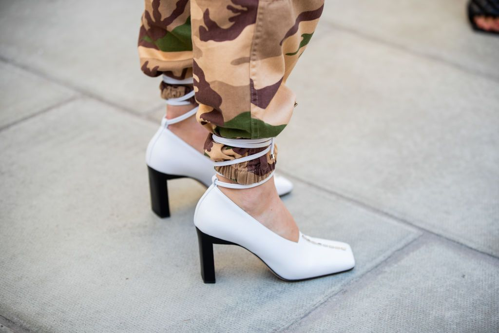 Cuff-Corsets - The Street Style Trend Sweeping Fashion Week