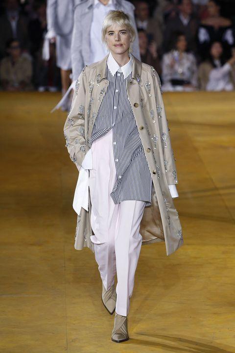 Fashion, Runway, Fashion model, Fashion show, Haute couture, Fashion design, Event,