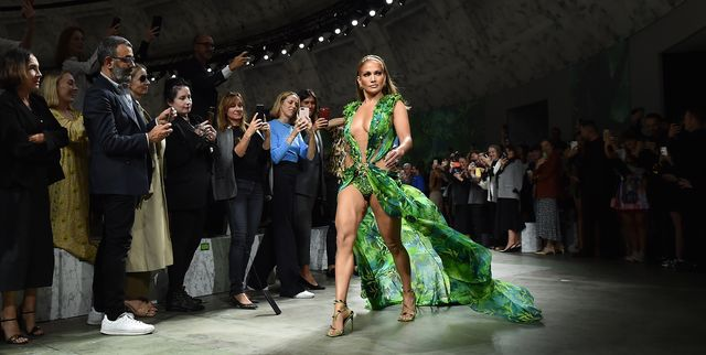 Jennifer Lopez Walked the Versace Show in Her Famous Green Gown and I'll Never Recover