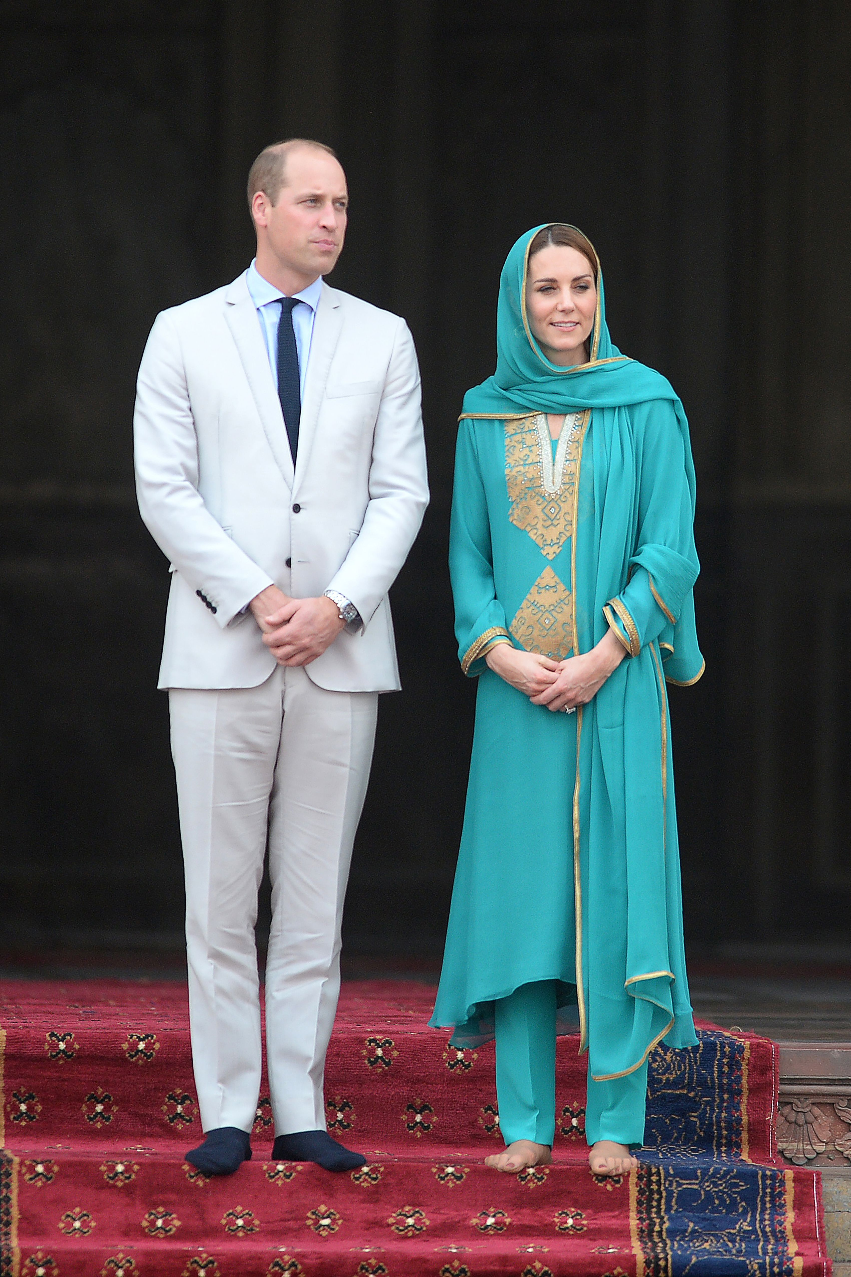 Kate Middleton And Prince William's Plane Has To Turn Back In Emergency Over Islamabad