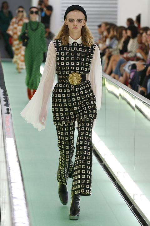 Fashion model, Fashion, Fashion show, Clothing, Runway, Haute couture, Fashion design, Outerwear, Eyewear, Street fashion,
