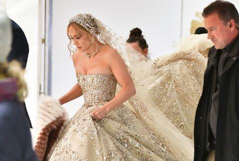 珍妮佛羅培茲(Jennifer Lopez)為新戲《Marry Me In Manhattan》穿上白紗