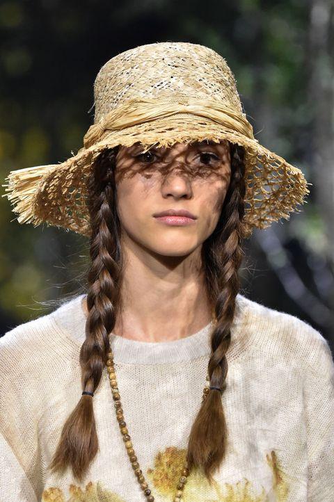 Hair, Clothing, Hat, Hairstyle, Fashion accessory, Sun hat, Fashion, Headgear, Beige, Fedora,