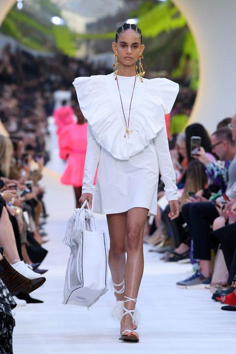 vestido blanco tendencia verano 2020 zara
