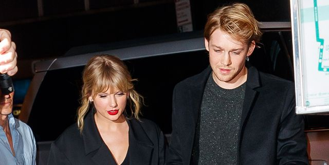 Taylor Swift Secretly Flew to London to Spend Thanksgiving With Joe Alwyn