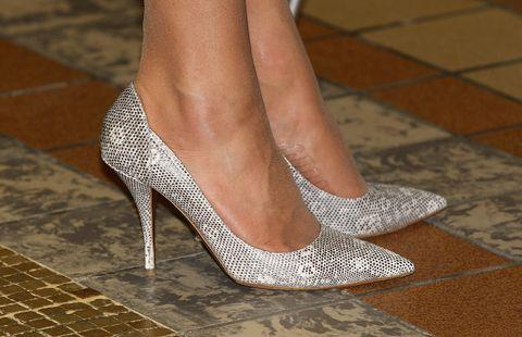 Footwear, High heels, Leg, Shoe, Human leg, Ankle, Foot, Joint, Beige, Toe,
