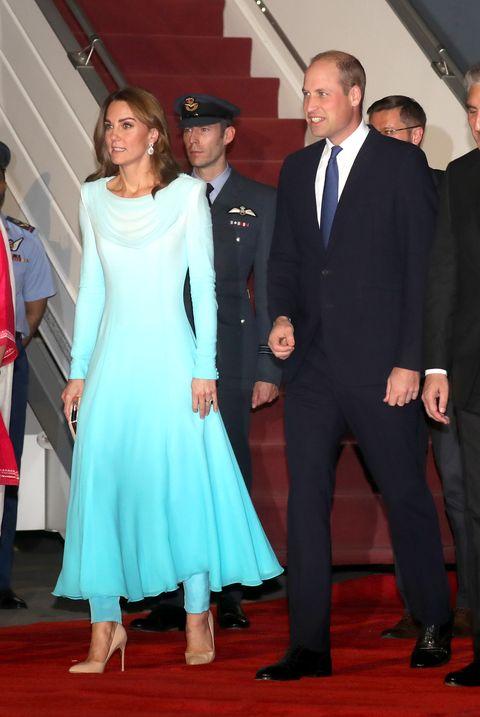 凱特王妃與威鍊王子出訪巴基茲坦 外交穿搭超用心!