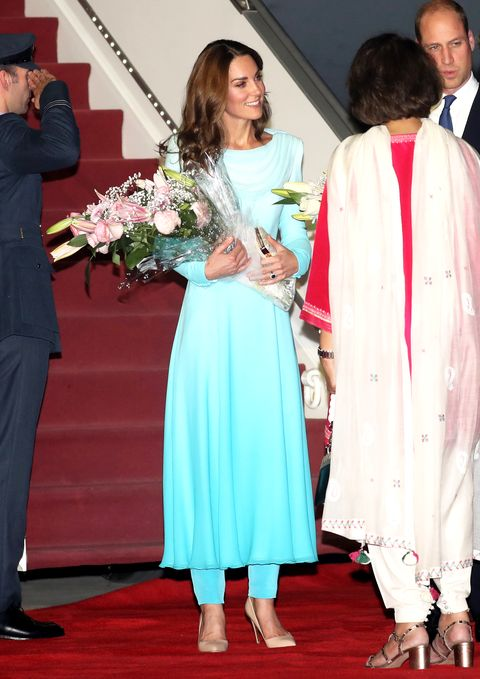 Kate Middleton Wears Catherine Walker Shalwar Kameez on Day 1 of ...