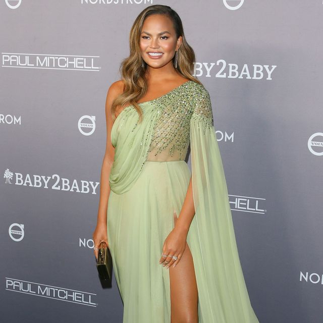 us model chrissy teigen arrives for the 2019 baby2baby fundraising gala at 3labs in culver city, california on november 9, 2019   baby2baby will honor chrissy teigen with the giving tree award, presented by john legend, for her commitment to children in need photo by jean baptiste lacroix  afp photo by jean baptiste lacroixafp via getty images