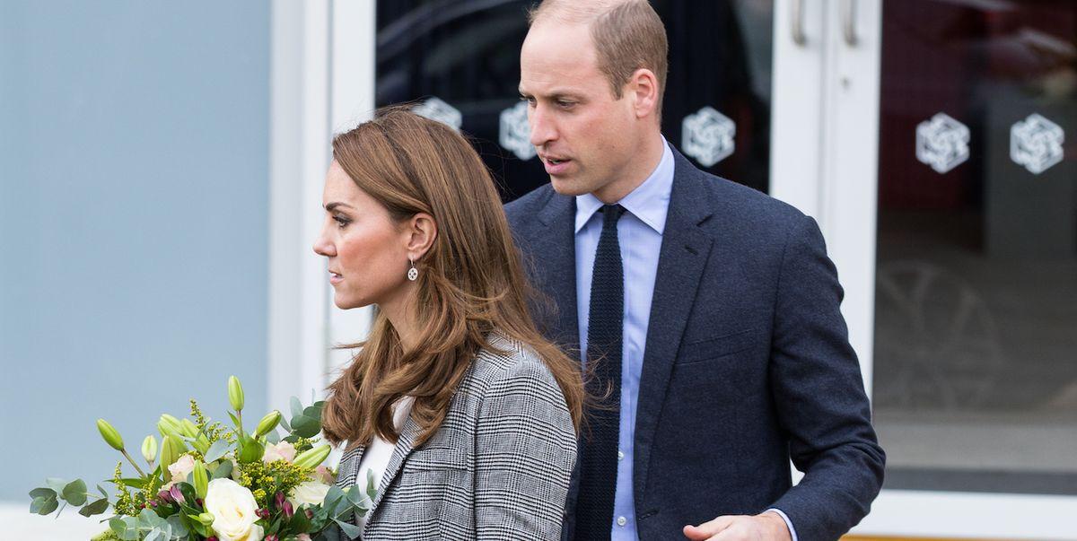 Кейт Миддлтон почти падает, потом смеется над этим с принцем Уильямом