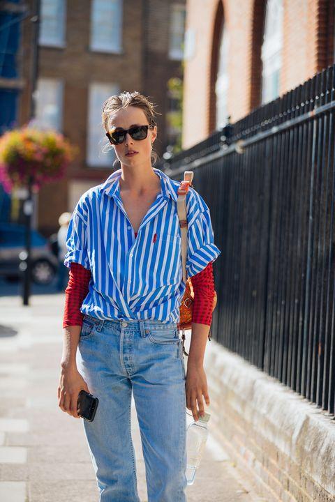 Κοιτάξτε με ριγέ πουκάμισο