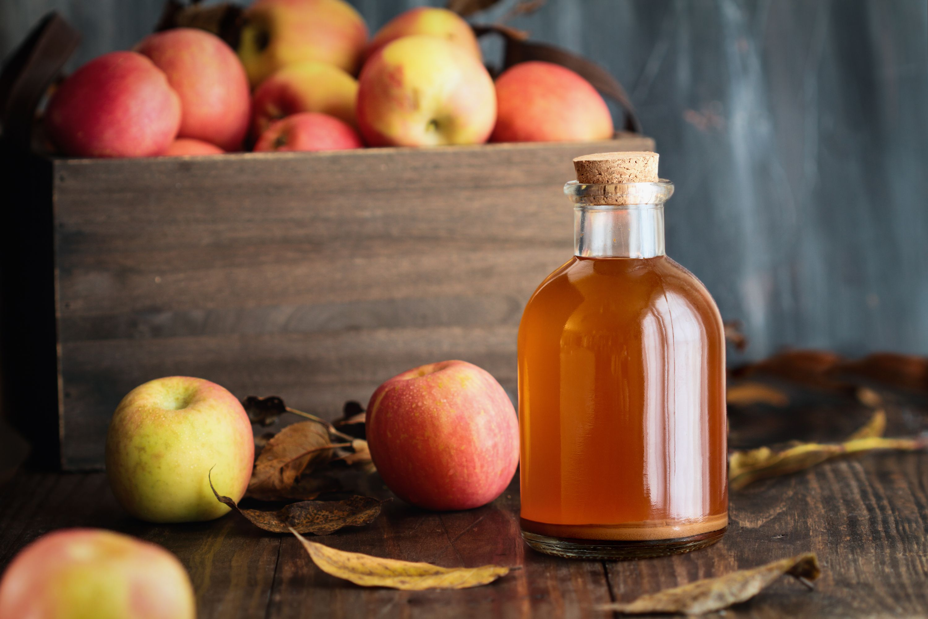 Apple cider vinegar: 8 benefits to know about