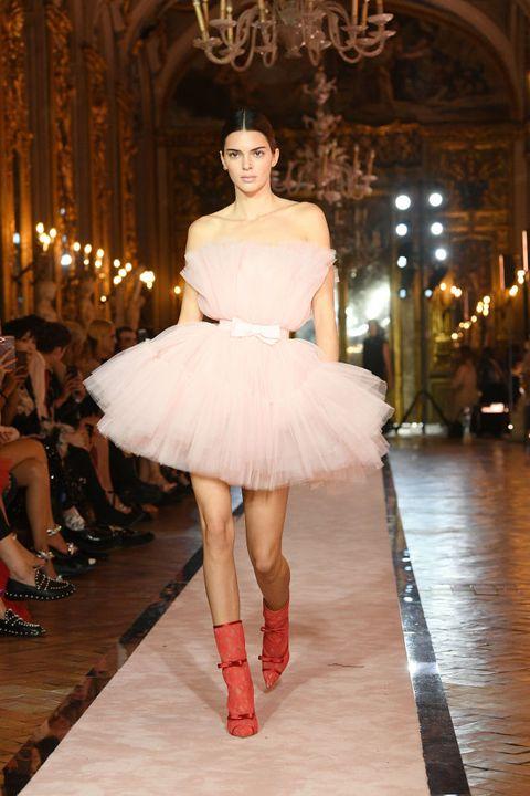 Fashion model, Fashion, Fashion show, Runway, Clothing, Haute couture, Dress, Shoulder, Fashion design, Waist,