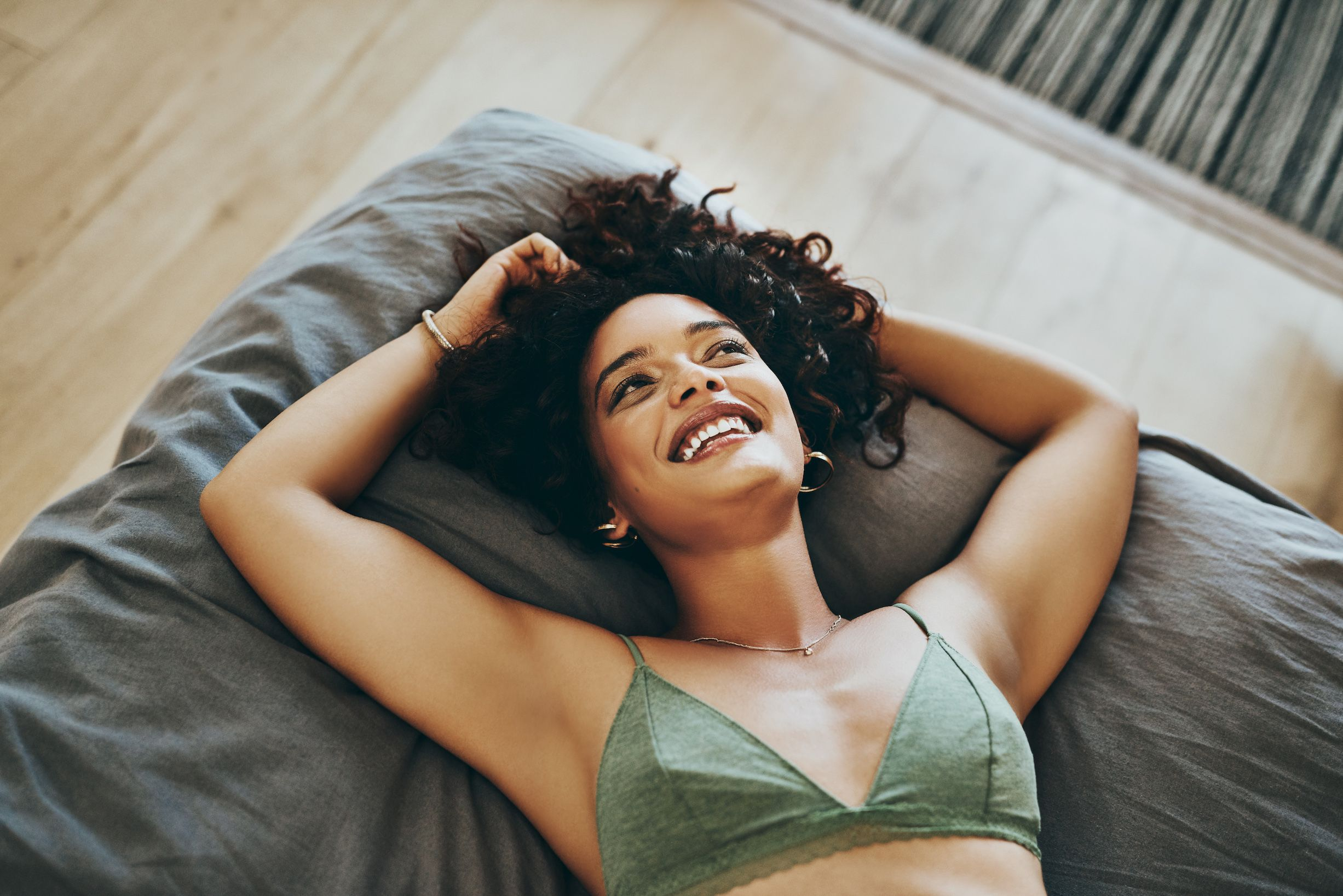 Going Braless: Pros and Cons of Wearing a Bra