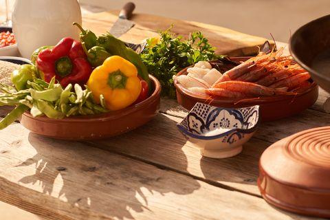 plato de frutas y verduras
