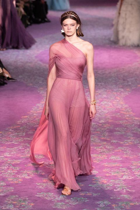 Fashion model, Fashion, Haute couture, Fashion show, Clothing, Shoulder, Dress, Gown, Runway, Pink,