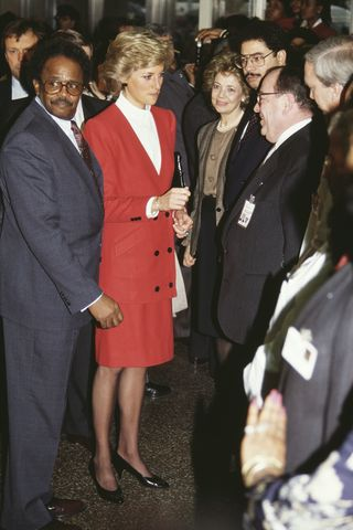 3ewiqcozaed2mm https www harpersbazaar com celebrity latest g34744696 princess diana new york city tour photos