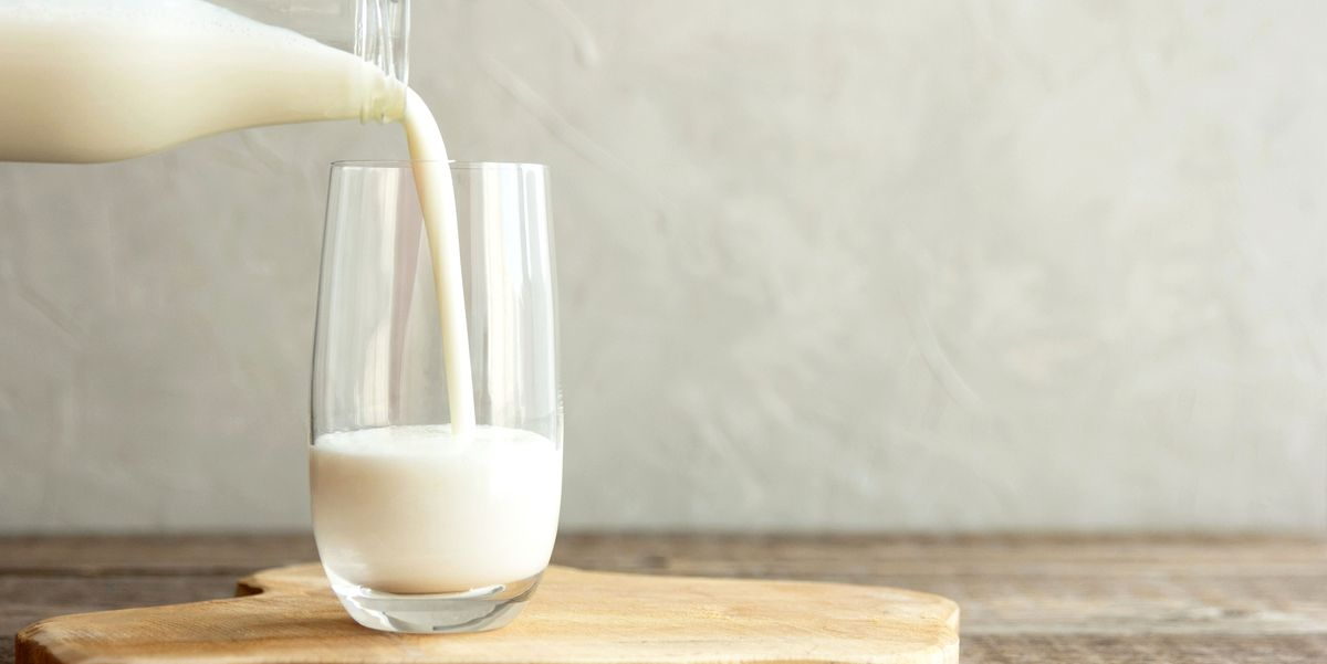 Registered Dietitians Explain Why It Might Be Time to Add Kefir to Your Daily Diet