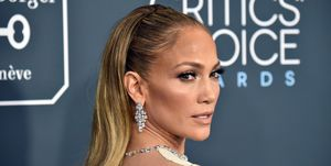 Jennifer Lopez root cover up