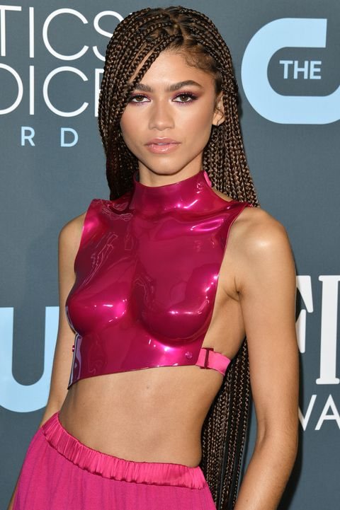 santa monica, california   january 12 zendaya attends the 25th annual critics choice awards held at barker hangar on january 12, 2020 in santa monica, california photo by george pimentelwireimage