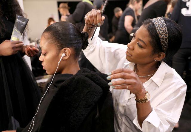 Tresemme Pledges 10 000 To 10 Black Female Hairstylists