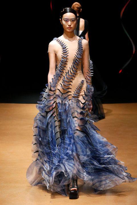 iris-van-herpen-haute-couture-parijs