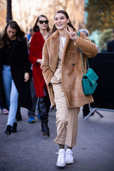 Street fashion, Fur, People, Fashion, Fur clothing, Snapshot, Footwear, Eyewear, Outerwear, Coat,