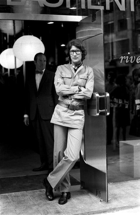 Photograph, White, Black-and-white, Black, Monochrome photography, Standing, Monochrome, Snapshot, Street fashion, Photography,