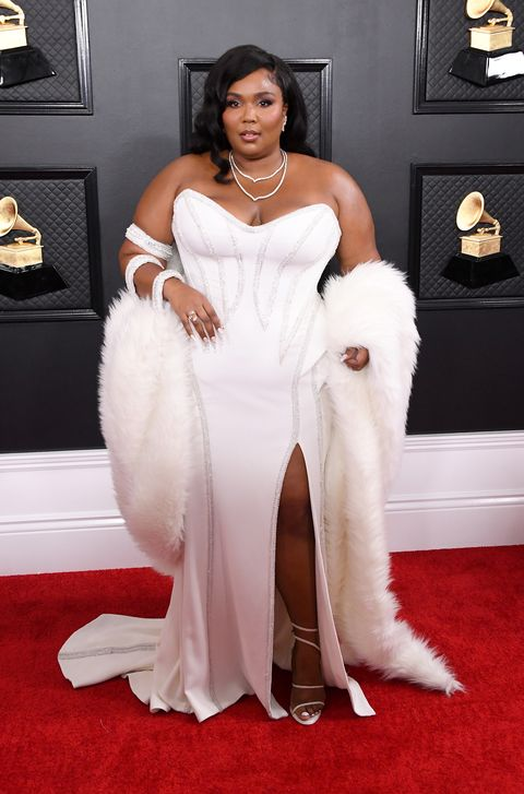 Red carpet, Carpet, Clothing, Dress, White, Gown, Shoulder, Flooring, Hairstyle, Fashion,