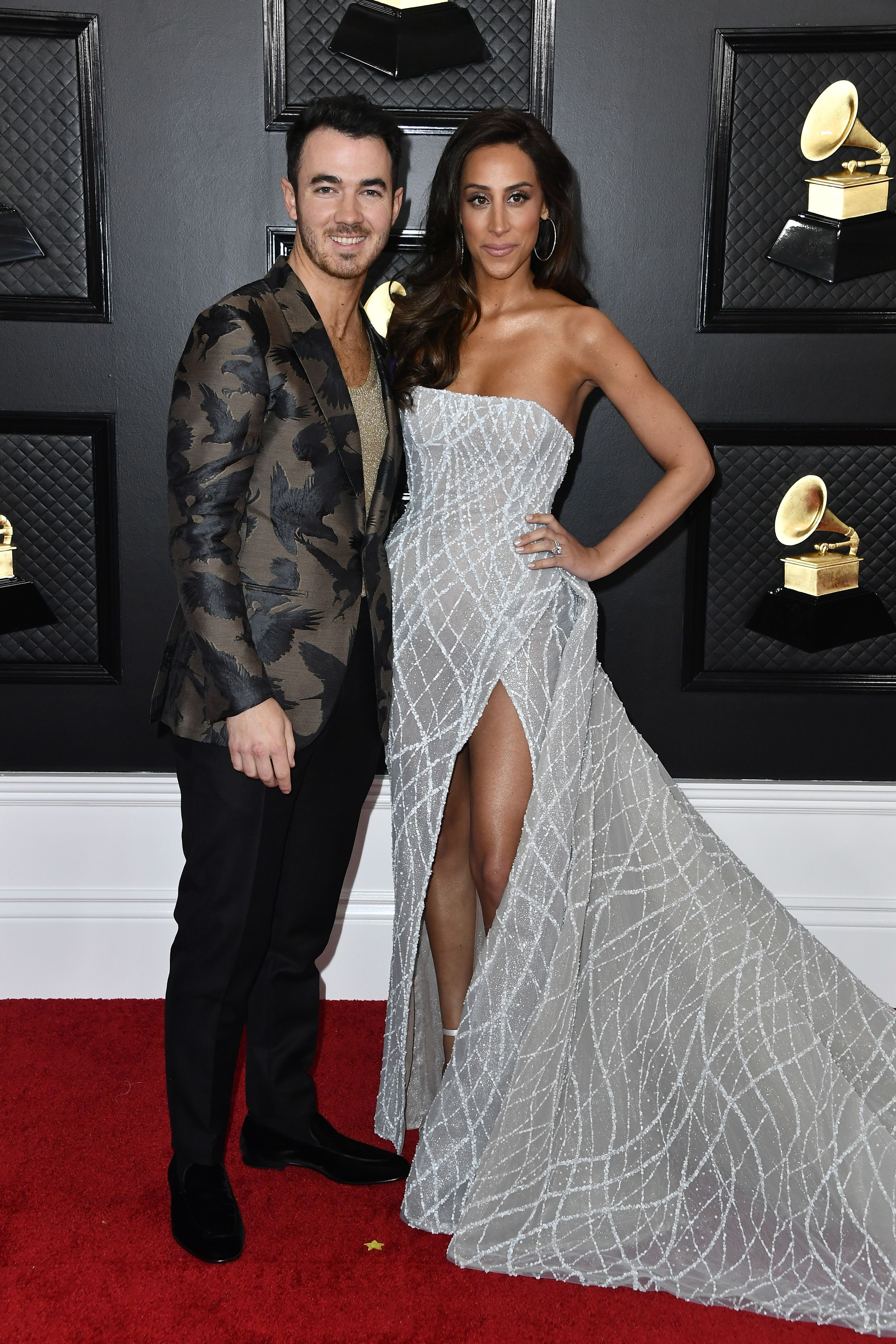 Alert: the J-Sisters (oh, and the Jonas Brothers) Just Arrived at the Grammy Awards