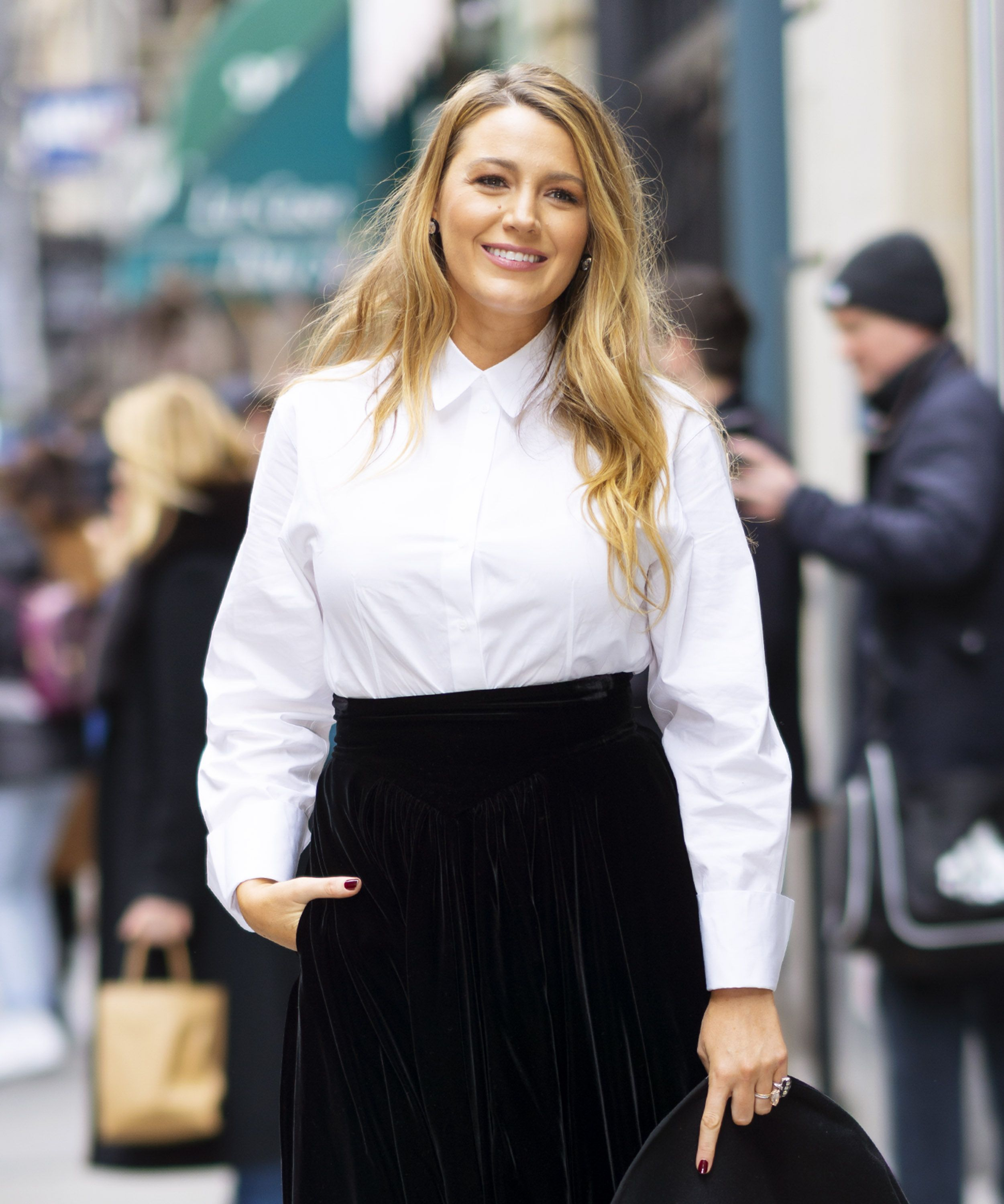 Blake Lively: her morning routine and working out with her three daughters