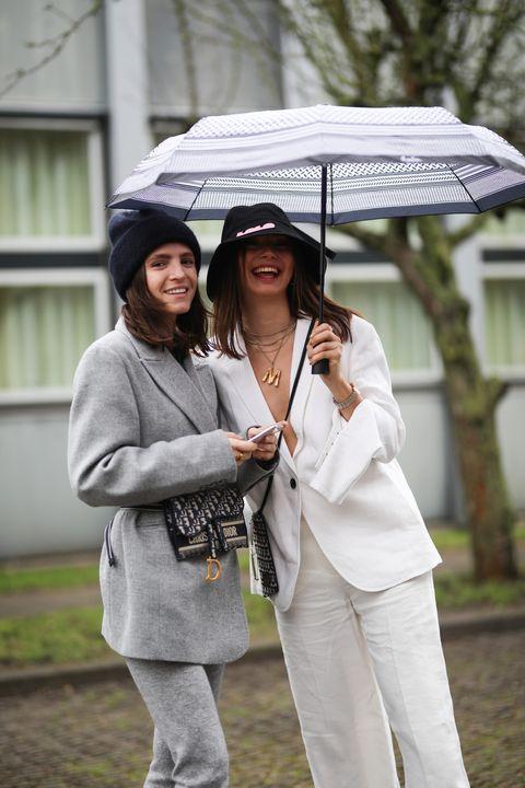 cómo vestir con lluvia según las que más saben de moda