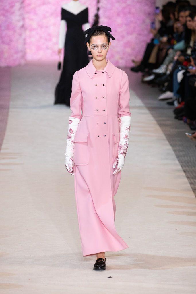 'Dress coat', el abrigo con vocación de vestido que ha conquistado a pasarelas, 'royals' y prescriptoras