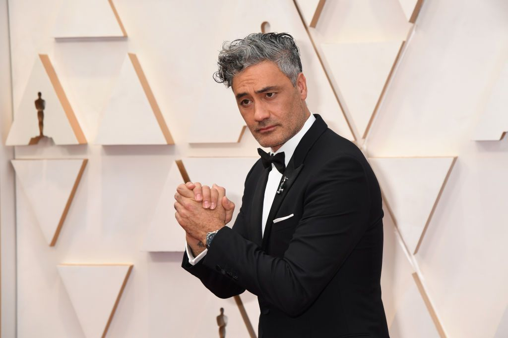 Taika Waititi's Oscars Watch Proved You Don't Have To Be Delicate To Dress Up