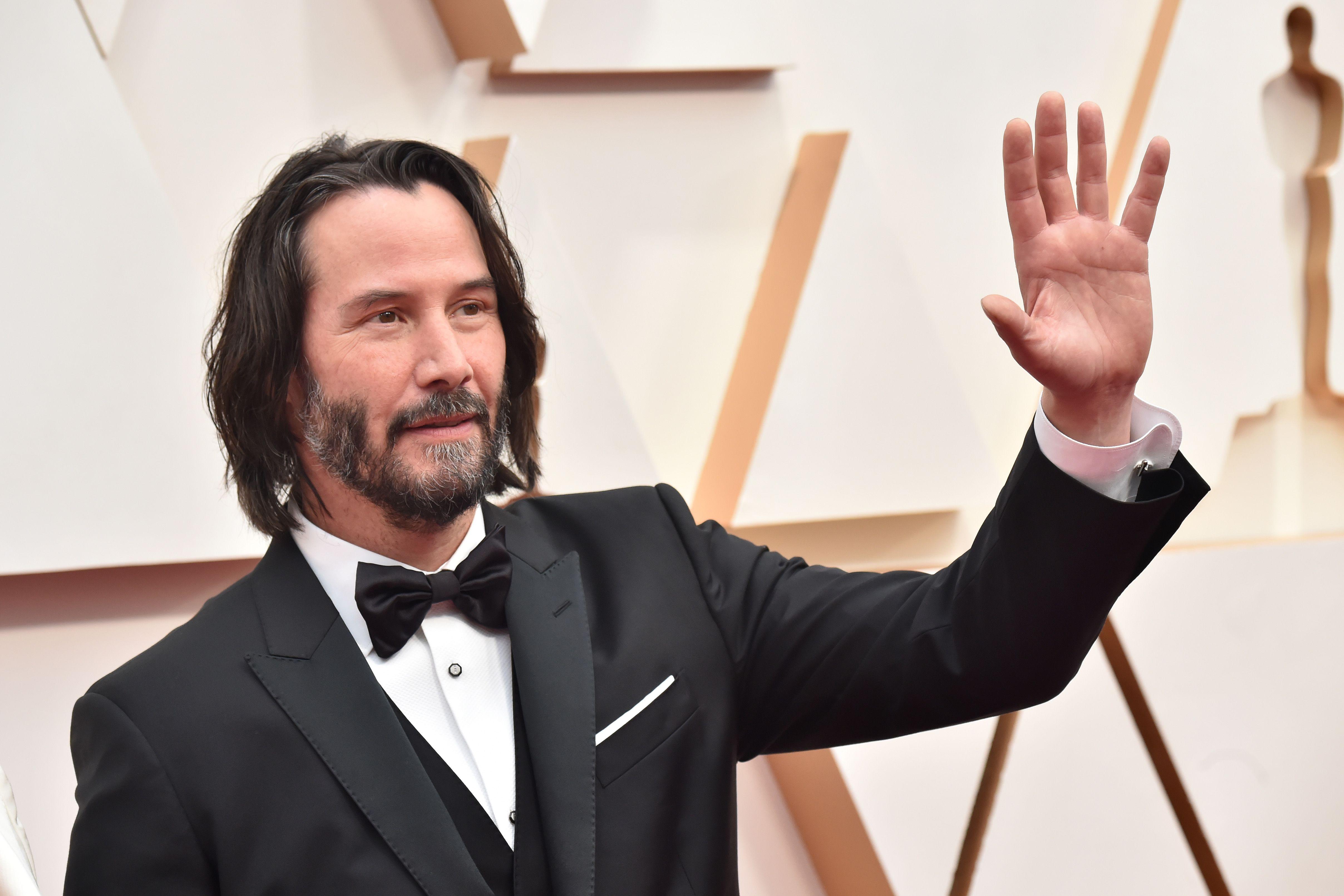 Black Tux King Keanu Reeves Won The Black Tux Award At The 2020 Oscars