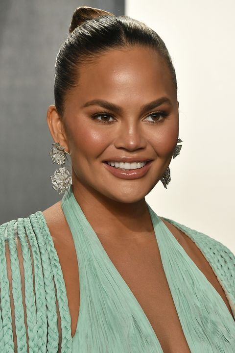 beverly hills, california   february 09  chrissy teigen attends the 2020 vanity fair oscar party hosted by radhika jones at wallis annenberg center for the performing arts on february 09, 2020 in beverly hills, california photo by frazer harrisongetty images
