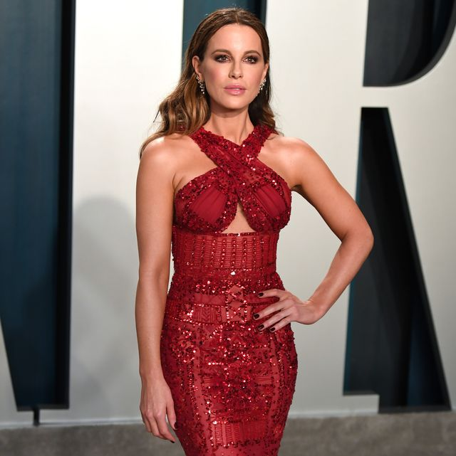 beverly hills, california   february 09 kate beckinsale arriving for the 2020 vanity fair oscar party hosted by radhika jones, at the wallis annenberg center for the performing arts on february 09, 2020 in beverly hills, california photo by karwai tanggetty images