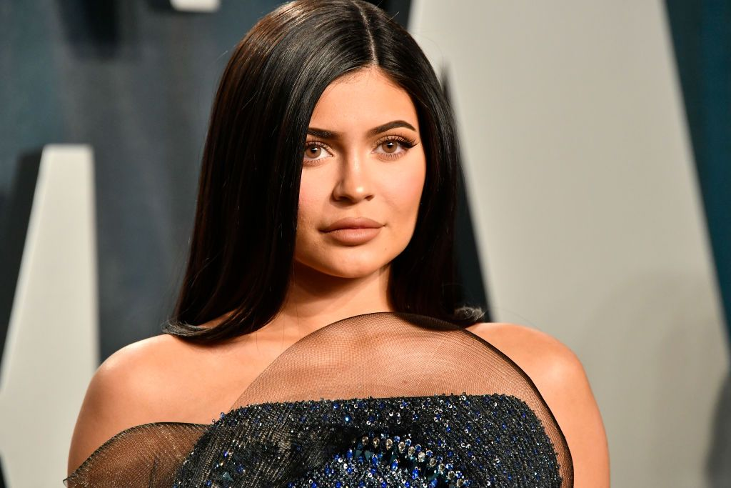 "Kylie Jenner Gets a Super-Short Bob and Jokingly Complains Her Hairstylist ""Cut Off All My Hair"""