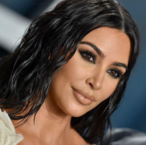 kim kardashian arrives at the 2020 vanity fair oscar party