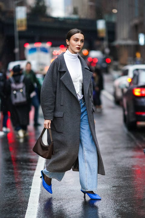 Street fashion, Clothing, Fashion, Suit, Coat, Snapshot, Outerwear, Overcoat, Standing, Human,
