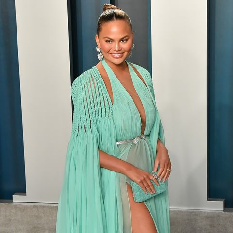 beverly hills, california   february 09 chrissy teigen arrives at the 2020 vanity fair oscar party hosted by radhika jones at wallis annenberg center for the performing arts on february 09, 2020 in beverly hills, california photo by allen berezovskygetty images