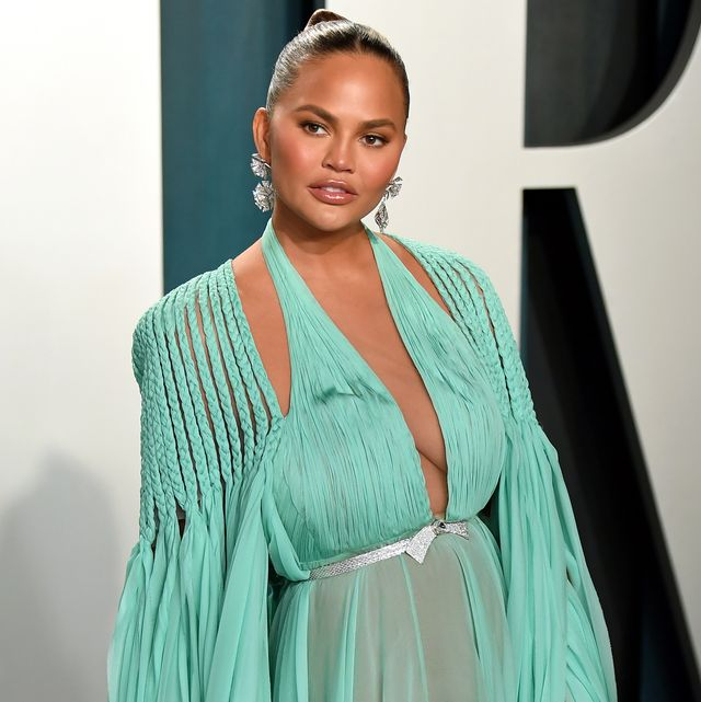 beverly hills, california   february 09 chrissy teigen attends the 2020 vanity fair oscar party hosted by radhika jones at wallis annenberg center for the performing arts on february 09, 2020 in beverly hills, california photo by karwai tanggetty images