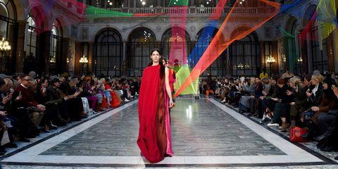 london fashion week stapt over op online