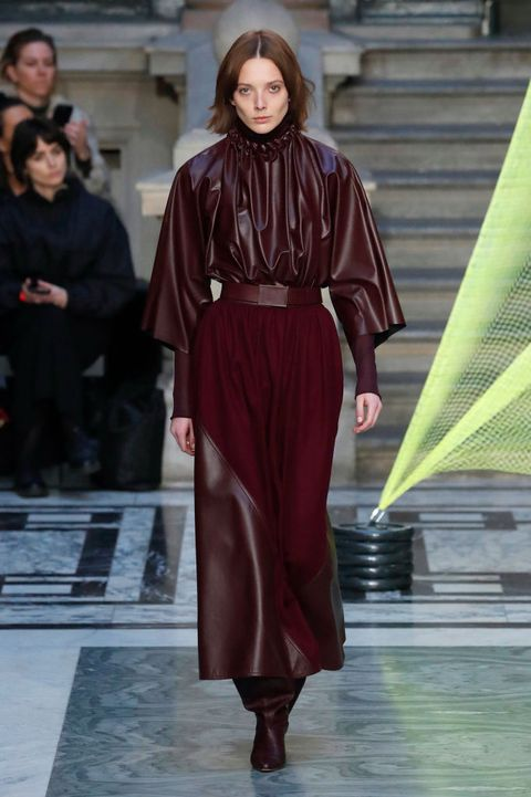 Tendenze moda Autunno Inverno 2020 2021: i vestiti in pelle dalla London Fashion Week