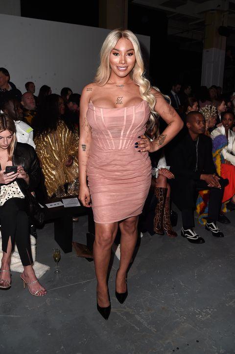 Fashion model, Clothing, Fashion, Shoulder, Dress, Leg, Joint, Event, Fashion show, Thigh,