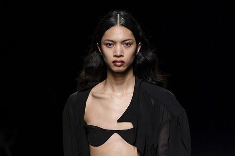 Mugler : Runway - Paris Fashion Week Womenswear Fall/Winter 2020/2021