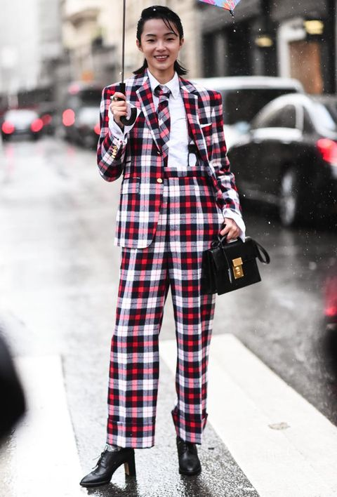 Plaid, Tartan, Clothing, Street fashion, Pattern, Fashion, Design, Snapshot, Textile, Outerwear,
