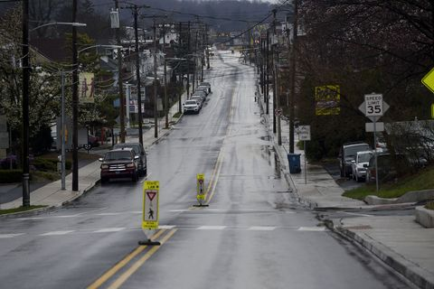 """Gov. Tom Wolf's Stay-at-home Order Clears Streets And Highways""""n"""