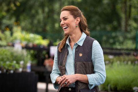 britains catherine, duchess of cambridge visits fakenham garden centre in norfolk on june 18, 2020 where she met the owners and staff   the duchess visited the family run independent business, which first opened in 1984, to hear about how the covid 19 pandemic had impacted the company photo by aaron chown  pool  afp photo by aaron chownpoolafp via getty images